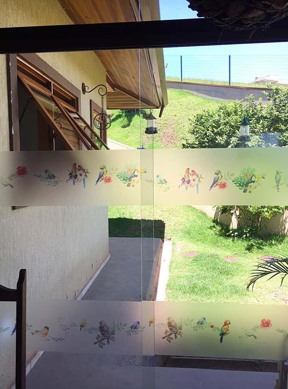 Adesivo para porta de vidro em vinil jateado com impressão