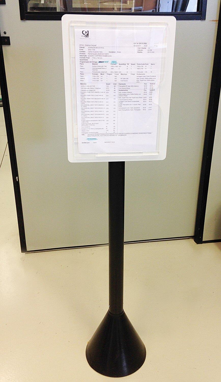 Pedestal com suporte para documento de acrílico