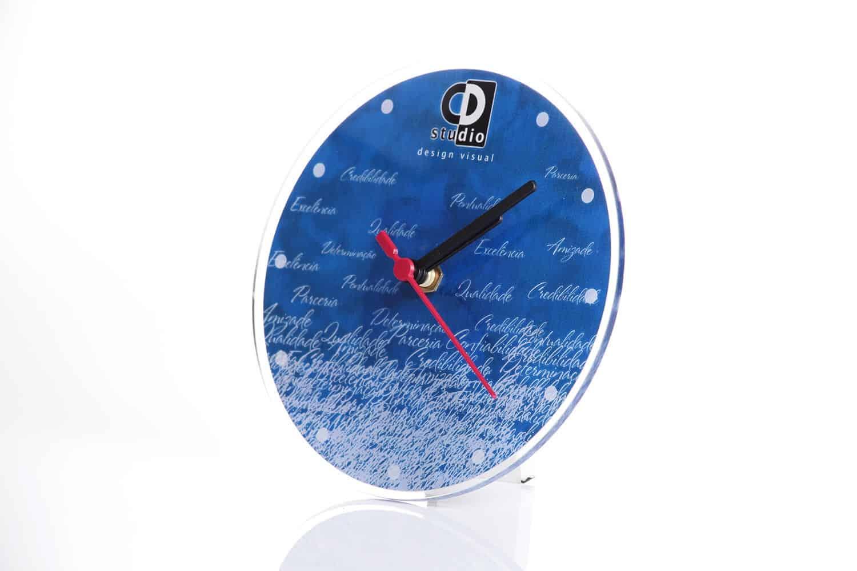 Relógio de acrílico personalizado
