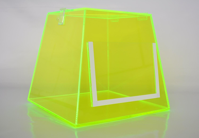 Urna em acrílico luminescente